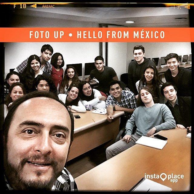 Saludos desde la clase de Fotografía, Fotoperiodismo y Redes Sociales desde el Sur de la Ciudad de México. #SoyUp #FotoUp #círculorojo