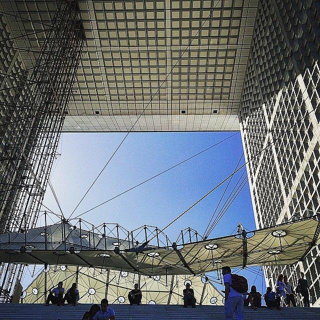 El Arco de la Defensa. Uno de los primeros sitios que conocí en París hace más de 20 años. #parís